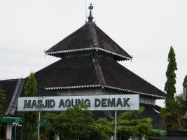 Masjid Demak Menjadi Pilihan Wisata Islam