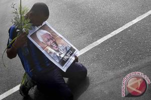 Kesedihan seorang pendukung Mandela