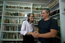 Max van Der Werrf dan Anhar Gonggong saat bertemu di Pondok Gede (foto:hendijo)
