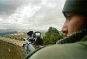 Seorang penembak jitu di perbatasan Lebanon-Israel