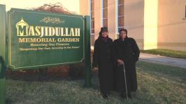 (Rafiqa Abdul Rasheed (kiri) dan Fatimah Melvina Ali.