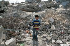 Palestina, terusir dari rumah sendiri.