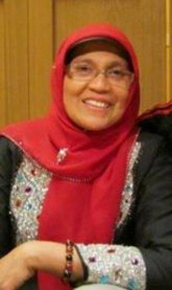 http://islamindonesia.id/wp-content/uploads/2014/08/rahmiana-zein-53eea6beba6961.jpg