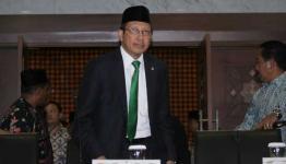 Lukman Hakim Saifuddin di gedung Kemenag, lepas menghadiri sidang Itsbat.