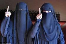 Foto Samra dan Sabina yang diunggah di medsos.