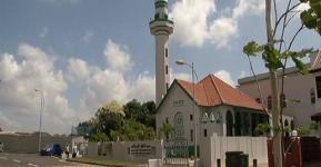 Mesjid Alkaff di Singapura.