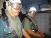 Jenderal Moeldoko duudk dalam helikopter seahawk.