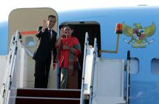Presiden Joko Widodo bersama isteri