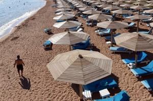 1113_tourism-egypt-300x199